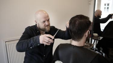 Sebastian Rimon Eskerod har en frisørbutik i Rantzausgade på Nørrebro i København. Gaden har gennemgået en eksplosiv udvikling, som gør den interessant for boligspekulanter, og Sebastian Rimon Eskerod frygter, at det vil føre til store huslejestigninger for de små erhvervsdrivende.