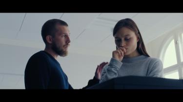 Julie Christiansen og Sebastian Jessen i filmen 'Mens vi lever'.