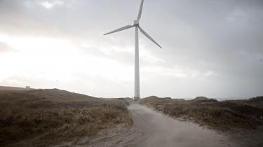Vi bør romantisere teknologierne til den grønne omstilling. Vi bør anskue vindmøllen som et symbol på håb og de uberørte vindblæste havområder som et smukt, uforløst potentiale for artens overlevelse.