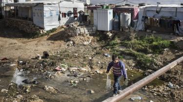 Spidskandidaten til Europa-Parlamentet for Radikale Venstre, Morten Helveg Petersen, skriver i dette debatindlæg, at vi ikke længere kan lade nærområder som Libanon vente.Danmark bør vise vejen og tage initiativ til en ny europæisk strategi fornærområderne.Billedet er fra en af Libanons utallige flygtningelejre i Bekaa-dal, der grænser op til Syrien.