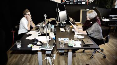 Regeringen og DF er blevet enige om atudbudde en ny digital radiokanal, og det kan blive Radio24syv. Berlingske Medias chef, Anders Krab-Johansen har modtaget nyheden»med interesse«.Her er det programmet 'Den Korte Radioavis'.