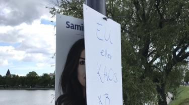 Det er ud fra en genbrugstankegang, at den radikale folketingskandidat Samira Nawa har brugt bagsiden af sine valgplakater til folketingsvalget til at sprede det radikale budskab til europaparlamentsvalgkampen, siger hun.