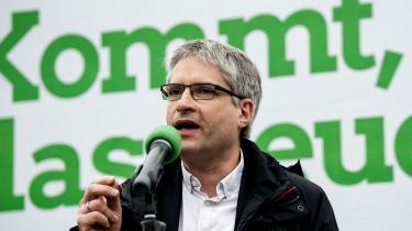 Passioneret togpassager, protestant og pengeekspert: Med De Grønnes store succes står spidskandidat Sven Giegold til en tredje periode i Europa-Parlamentet, hvor han vil kæmpe videre for fair virksomhedsbeskatning, CO2-beskatning og en komplet omlægning af det europæiske landbrug.