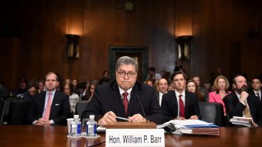 Det er svært at konkludere andet, end at justitsministeren William Barrassisterer præsidenten med at dække over noget i rapporten, skriverMartin Burcharth.