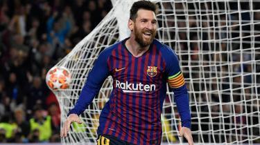 Lionel Messi efter sin scoring mod Liverpool i semifinalekampen i Champions League. Det argentinske stortalent har ikke det, hans landsmænd kræver for at se ham som mytisk heltefigur. Det er simpelthen ikke nok at være fodboldspiller i verdensklasse.
