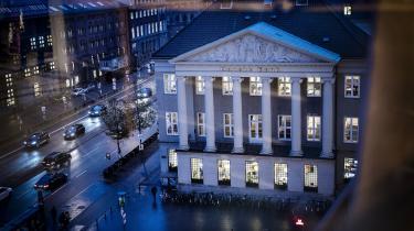 En konto i Danske Bank Erhverv Direkte i København er blevet brugt til overførsler af mere end 50 millioner kroner. Pengene menes at have direkte forbindelse til den verserende Operation Greed-sag om svindel med moms og skat for 290 millioner kroner og hvidvask for mere end 500 millioner kroner.