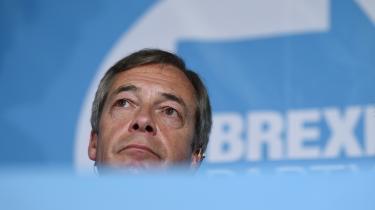 Panikken er begyndt at brede sig i de politiske rækker. Tidligere premierminister Tony Blair har været ude med en bøn til de britiske vælgere om at huske at stemme den 23. maj:»Det her er ikke et valg for at vælge en regering eller en premierminister. Det er et valg for eller imod Nigel Farages Brexit.«
