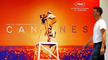 I år er der fire film instrueret af kvinder i hovedkonkurrencen på filmfestivalen i Cannes, der begynder i morgen. Det er flere end nogensinde før, men stadig ikke et prangende antal, hvilket festivalen også bliver kritiseret for. Har festivalen et problem med kvinder, eller er den, som festivalens kunstneriske leder Thierry Frémaux siger, blot et spejlbillede af en filmbranche, der har et problem med kvinder?