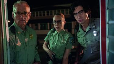 Bill Murray, Chloë Sevigny og Adam Driver er en sjov og dynamisk trio i Jim Jarmuschs satiriskezombiefilm, 'The Dead Don't Die', der tirsdag åbnede filmfestivalen i Cannes. Foto: Universal
