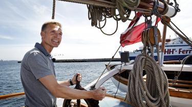 I 2015 kom det frem,at Dansk Folkeparti havde brugt Europa-Nævnets penge på en sejltur med skonnerten 'Halmø' under kommunalvalget i 2013. På den ti-dage lange sejltur brugte DF976.678 kroner. Det er én af flere EU-svindelsager, europæiske partier er blevet grebet i,siden det seneste Europa-Parlamentsvalg.