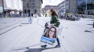 Efter valget til Europa-Parlamentet den 26. maj kan De Konservative stå uden et eneste mandat – for første gang nogensinde. Den ukendte Pernille Weiss er blevet valgt til at sørge for, at det ikke sker. Information har fulgt hende de sidste måneder op til valget