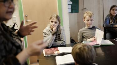 For mange lærere er det i dag umuligt at give eleverne den undervisning, de fortjener, og det får lærerne til at søge væk fra folkeskolen. Drop den massive styring og tilfør de nødvendige ressourcer, så folkeskolen igen bliver lærernes førstevalg, skriver formanden for Danmarks Lærerforening i dette debatindlæg