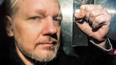 USA vil straffe Wikileaks-stifteren for handlinger, der ikke meningsfyldt kan adskilles juridisk fra det, journalister må og skal kunne foretage sig i jagten på væsentlige historier af offentlig interesse