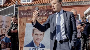 Dansk Folkeparti står for første gang til massiv tilbagegang ved et valg til Folketinget. Ifølge professor Jørgen Goul Andersen er der flere paralleller til valgkampen i 2007, hvor udlændingepolitik ikke i samme grad som tidligere var en vindersag for højrefløjen, og det er ifølge professoren med til at forklare den manglende medgang til Kristian Thulesen Dahls parti.