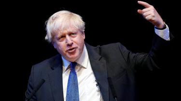 Boris Johnson bør blive De Konservatives nye leder og Storbritanniens nye premierminister. Det udtaler den amerikanske præsident Donald Trump, som dermed højst usædvanligt blander sig i britiske politiske anliggender. Trumps indblanding møder da også kritik fra flere sider i Storbritannien.