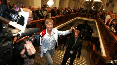 Marianne Jelved troede, hun kunne gå på vandet efter valgsejren i 2005. Men da hun rejste et 'ultimativt krav' om at blive statsministerkandidat, mistede hun opbakning.
