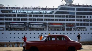 Præsident Trump har slået bak for Barack Obamas tilnærmelser til Cuba og beskylder Cuba for »at eksportere tyranni«. I april blev der givet grønt lys for erstatningssager for ekspropriering af amerikansk ejendom på Cuba. I denne uge blev rejserestriktioner strammet.