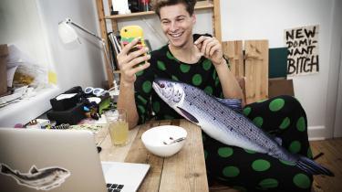 RasmusKolbe, bedre kendt somLakserytteren, siger, at hans Youtube-videoer erpublic service og publicisme.