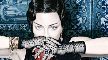 Madonna har fundet sin position som grand old dame. Hun jager ikke så meget hurtige hits, som hun søger kunstnerisk konsistens på sit spritnye album 'Madame X'. At levere et personligt udtryk til lytterne i stedet for at sætte et overfladisk aftryk i rekordbøgerne. Og så er hendes plade multietnisk som aldrig før