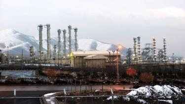 Hvis Teheran øger produktionen af beriget uran ud over atomaftalens mål – og det er indtil videre meldingen – står Trump over for et problem: Han må enten kravle ned fra sit træ eller konfrontere uoverskuelige konsekvenser. Her se tungtvandsanlægget i byen Arak.