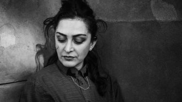 Nazila Kivi er en læser,der ideelt set synes, det er blasfemisk at læse mere end én bog ad gangen, men som i praksis med arbejde som anmelder, underviser og samtidig lystlæser, ikke lever op til idealet.