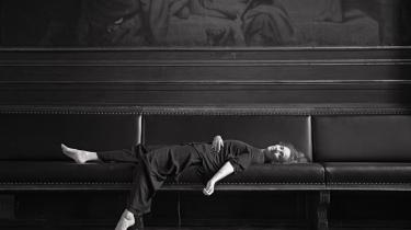Ursula Andkjær Olsen forholder sig til mange aspekter af menneskelivet i sit eget forfatterskab: Det politiske, det musikalske, følelserne, forbruget.