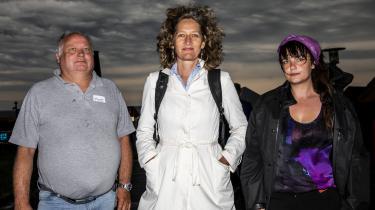 Klaus D. Hansen,Anja Lyngbæk ogTrine Staur var alle tre under Folkemødet med iet demokratieksperiment. Ved hjælp af rådslagning skulle en borgersamling komme med en anbefaling til, hvorvidt en afgift på kød er vejen frem for klimaet.