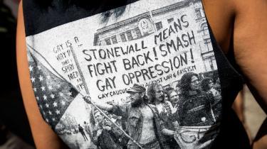 The Stonewall Rebellions er blevet homoikoner, men har aktivisterne glemt, at Pride ikke startede som en fest, men som et oprør efter den voldelige ransagning af homobaren i 1969?