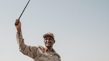 På sit CV har generalmajor Hemeti krigsforbrydelser i Darfur såsom henrettelser af mennesker uden rettergang, voldtægter, ødelæggelser af boliger og andre menneskerettighedskrænkelser.