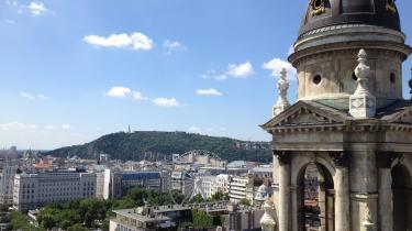 Sebastian Abrahamsens ferie til Budapest begyndte somen mareridt, men endte med at være ikke så tosset endda. Blandt andet på grundaf en smuk udsigt over byen.
