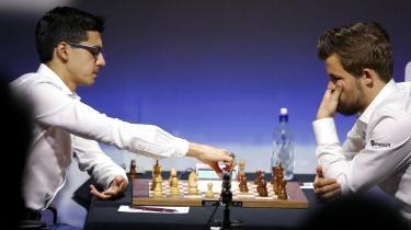 Norske Magnus Carlsen møder hollandske Anish Giri.