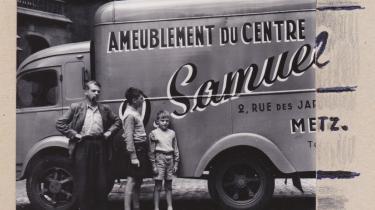 De mandlige Metz´ere i 1952 under en ferie – her i Metz. Samuel Metz var skribentens farfars navn. Skribentens mor var imidlertid en mådelig fotograf, så pointen måtte senere tilføjes med blyant og blæk i familiealbummet