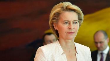 Meget tyder på, at Ursula von der Leyen bliver valgt til formand for EU-Kommissionen, men hvad står hun egentlig for? Det er der ikke rigtig nogen, som ved.