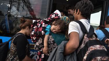 Da migranter i 2015 flygtede mod Balkanlandene, blev de blandt andet huset i centre i nærheden af Zagreb og de kroatiske myndigheder opfordrede til at udvise sympati over for migranter med henvisning til 1990'ernes Balkankrige og den medfølgende migration. Men ifølge nye vidneudsagn har kroatisk politi i årevis sendt grupper af asylansøgere ulovligt retur over grænsen til Bosnien og til Serbien uden at give dem ret til at søge asyl i landet.