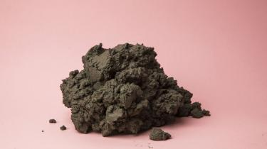 Cementbranchen sætter et enormt klimaaftryk. Men danske Aalborg Portland er allerede i gang med at løse problemet, siger managing director Michael Lundgaard Thomsen. Handling er et krav, hvis man som virksomhed vil »være en del af det her samfund«, siger han i dette første interview i ny serie om erhvervslivets rolle i klimakampen