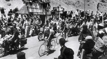 Da legenden Eddy Merckx i 1969 vandt sit første Tour de France, gik han med 130 kilometer igen af på 17. etape i udbrud på vej op ad Tourmalet og fortsatte alene over bjergpasset og målstregen i Mourenx, hvor han udmattet af træthed sagde: »Jeg håber, det var nok til, at I nu vil betragte mig som en værdig vinder.«