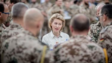 Ursula von der Leyen kommer fra en stilling som forsvarsminister i Tyskland og – helt i tråd med denne stilling – ønsker hun, at EU accelererer opprioritering af forsvarsområdet.