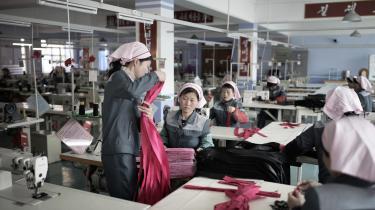 For andet år i træk har Nordkorea negativ økonomisk vækst, og en række eksportsektorer - kul og mineraler, fiskeri og beklædningsindustrien - er hårdt ramt af sanktionerne mod landet.