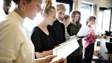 Højskolesangbogen skal både afspejle den danske kulturarv og den samtid, vi lever i. Derfor er der intet i vejen for at tage en ramadansang med i den nyeste udgave, der skal udkomme næste år. Ikke så længe den egner sig til at blive sunget i flok