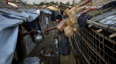 911.113 muslimske rohingyaer er til dags dato flygtet fra etnisk vold i Myanmar til flygtningelejre i Bangladesh.