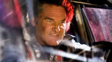 Alle biljagter og actionscener i 'Death Proof', hvor Kurt Russell spiller Stuntman Mike, er lavet med rigtige biler og mennesker – ikke noget snyd der.