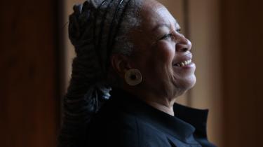 De psykologiske, sociale og økonomiske konsekvenser af slaveri og racisme spiller en stor rolle i alle Toni Morrisons 11 romaner.