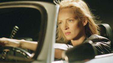 Uma Thurmans Beatrix er meget mere Dræber i 'Kill Bill Vol. I+II' end hun er nogens varme hustru. Men først og fremmest, må vi forstå, er hun Moder. Eller hvad?