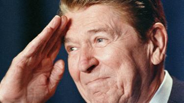 »Regeringen er ikke løsningen på vores problemer, regeringen er problemet.«erklærede USA's præsident Ronald Reagan i sin tiltrædelsestale Den 20. januar 1981.Det blev soundtracket til slutningen af det 20. århundrede. »Rul staten tilbage« blev »markedsrevolutionens« mantra anført af Reagan og Margaret Thatcher.