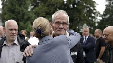 Mette Frederiksen og Poul Erik Rasmussen, som er en af Godhavnsdrengene, under arrangementet på Marienborg, hvor statsministeren gav sin oficielle undskyldning til Godhavnsdrengene og andre børnehjemsbørn udsat for overgreb i statslig varetægt.