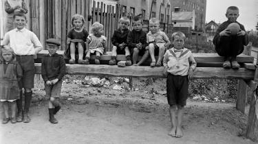 Fattige børn i København omkring 1910. For 100 år siden var fattigdom kilde til en stor del af de drab, der blev begået. Og hovedparten af gerningsmændene var faktisk kvinder.