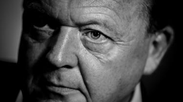 I en klassisk Løkke-manøvre valgte han søndag i en video på Facebook at opfordre til indkaldelse af et ekstraordinært landsmøde. Ved selv at foreslå det, som oprørene kræver, har han vundet tid og initiativ og tvinger nu sine modstandere til at melde kulør.