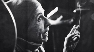 Mange unge aristokrater følte sig hjemløse i 1900-tallets Europa og søgte eventyret. En af dem var Karen Blixen. Tom Buk-Swientys nye Karen Blixen-biografi er velskrevet og rejser tankevækkende diskussioner: Hvad er egentlig det bedste liv – kort og brændende, eller langt og pligtopfyldende?