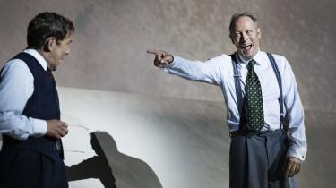 Søren Sætter-Lassen og Lars Mikkelsen har i 'Adressaten ubekendt' et nærmest ukrænkeligt højt niveau. De spiller henholdsvis Max, der er jøde, og Martin, der er 'arie', under Anden Verdenskrig.