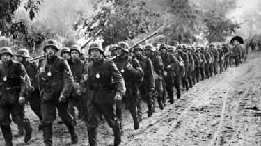 På søndag markeres Nazitysklands invasion af Polen med en mindehøjtidelig for de polske ofre. Det vil foregå i Warszawa, og her vil Trump være på hjemmebane, for hans USA klinger godt med PiS-leder Kaczyńskis Polen.